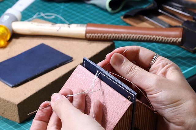 leather-craft-3787282_640